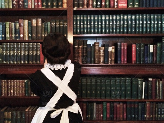 stock-photo-costume-vintage-library-historic-books-victorian-maid-7912421e-d283-4a5b-9cbe-f04ef28c59f1.jpg