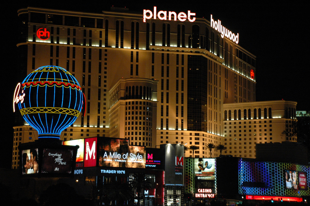 planet hollywood.jpg